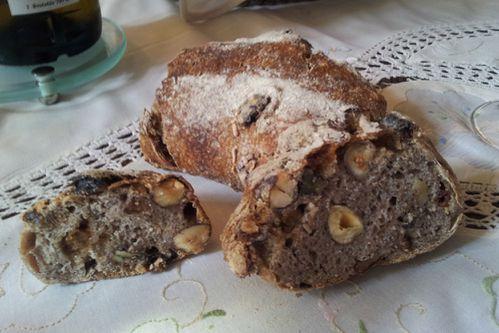 petite boulangerie nantes pain noisette noix raisins01