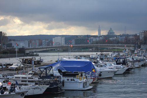 Liege-plongeur-et-port-des-yachts 7953