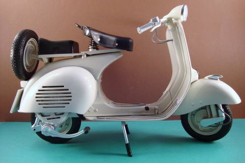 06 2009 Vespa 150 reproduction de 1955-1