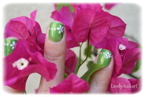 green-flowers-4.jpg