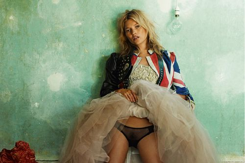 the-kate-moss-portfolio-and-other-stories-exhibition-danzig.jpg