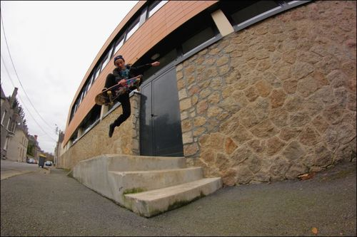 Axel-Thomas-SKATE-PONTIVY-PLO-2.jpg