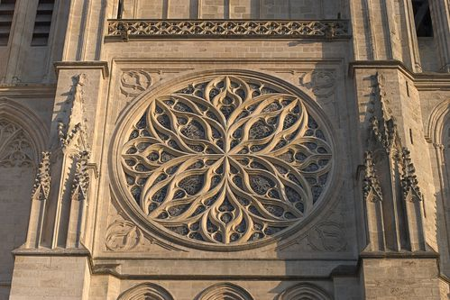 Bordeaux_Cathedrale_St_Andre_Rosace.jpg