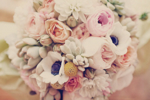 anemone-wedding-bouquet-pink.png