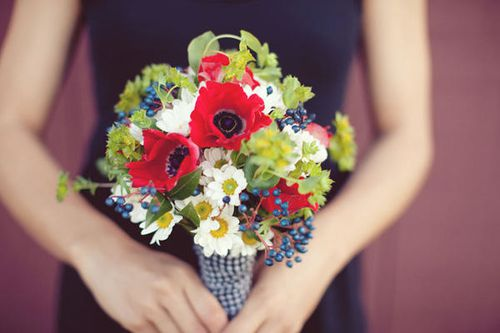 red-and-white-wedding-bouquet.jpg