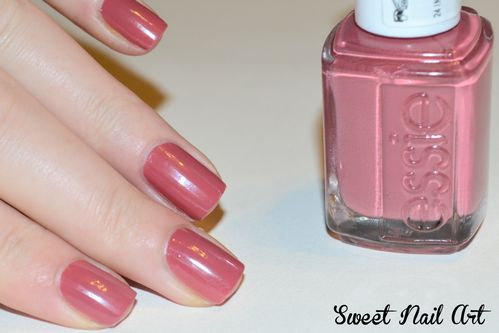 Essie-In-stitches--4-.JPG