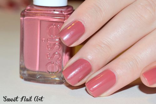 Essie-In-stitches--7-.JPG