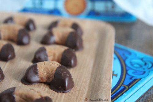 biscuits : bredeles sablés pralinés en croissan-copie-2