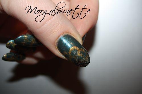 nail art baroque effet tapoté or morgalounette (4)