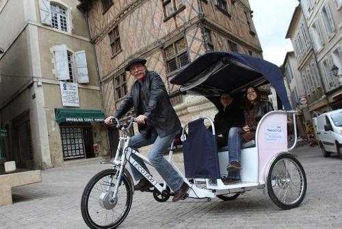 auch taxi pour visiter la ville