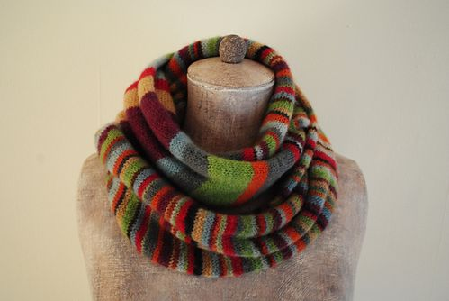 stripes_and_stripes_cowl_medium2.jpg