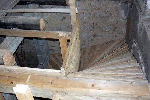 Escaliers r novation d 39 une ferme auvergnate - Coffrage escalier beton quart tournant ...