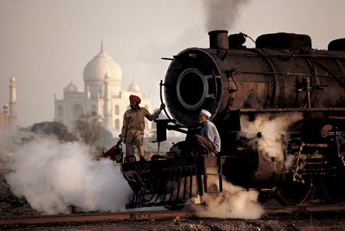 inde-agra-train-taj-mahal-1983.jpg