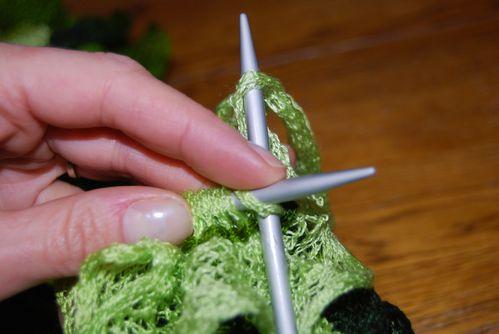 cbdddf889b9d Tuto pour écharpe froufrou - Les Idées Créatives de Babette