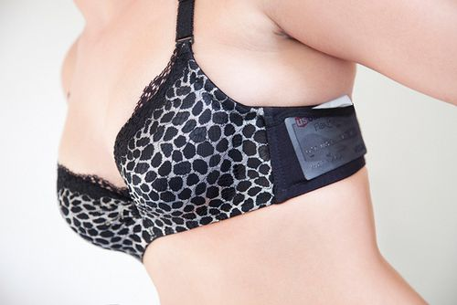 joey-bra-iphone-pocket-holster-credit-card