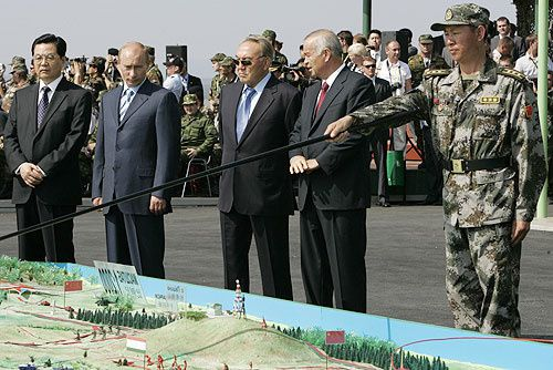 Putin_and_Hu_JintaoPeace_Mission_2007-copie-1.jpg