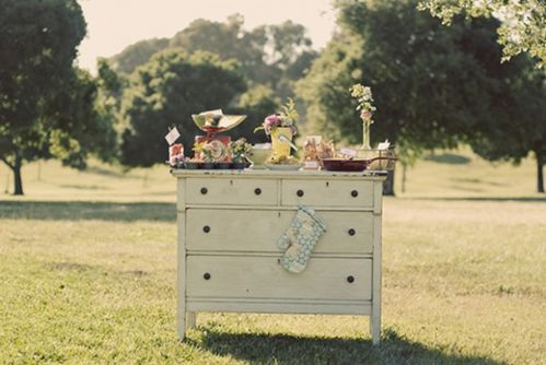 outdoor-breakfast-buffet-wedding-reception-ideas-580x388.jpg