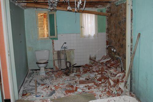 3e week end travaux d molition de la salle de bain for Travaux salle de bain
