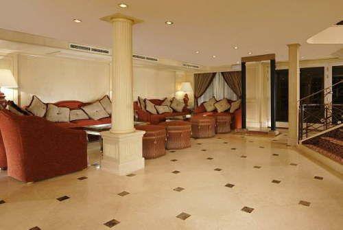 db MS Crown Jubilee Nile Cruise Lobby7