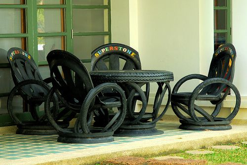 Salon en pneus, Hua Hin, Thaïlande.