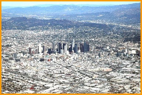 800px-Los Angeles, CA from the air