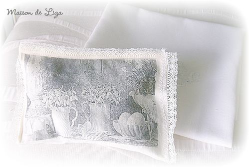 Coussin-mariage-Alexandra-Guillaume.JPG