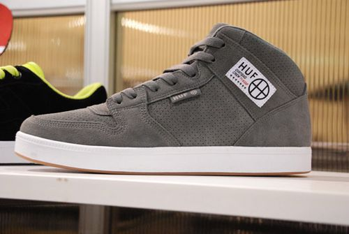 HUF-Spring-Summer-2010-Footwear-A-Closer-Look-11.jpg