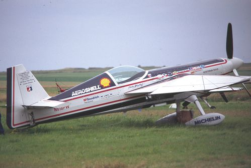extra 260 N618PW (2)