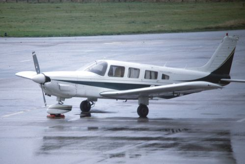 piper PA32 cherokee six G LADE 1