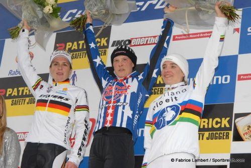 podiumCC7.jpg