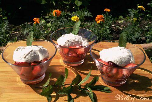 fraises-confites-chantilly-menthe2.jpg