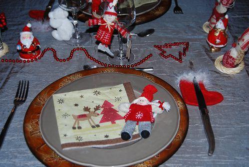 table dans l'atelier du Pére Noël 005