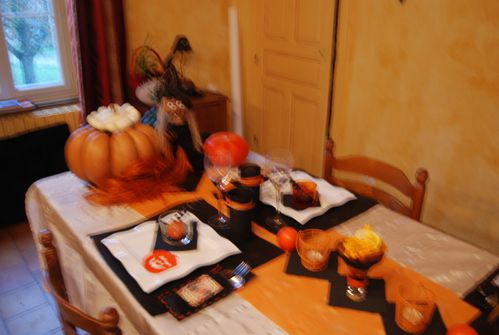table-Halloween-001.jpg