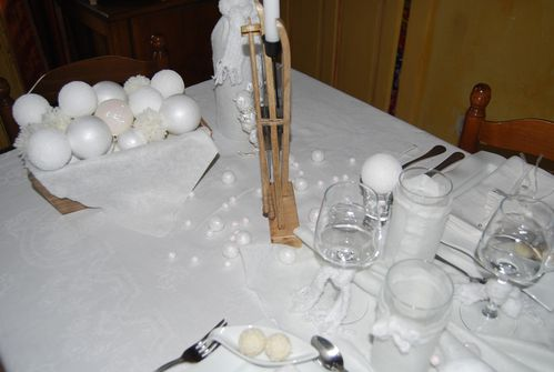 table blanche comme neige 006
