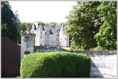 Chateau-prive-forteresse-Chinon 4319
