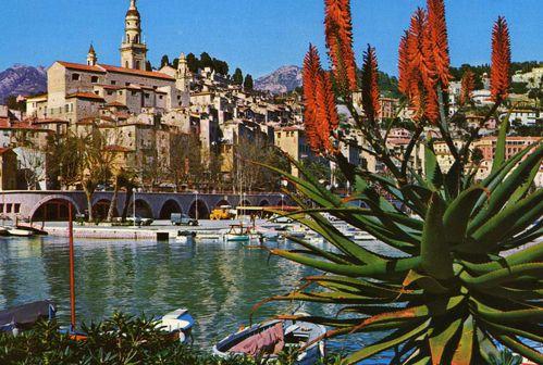 Menton-le-port-et-la-vieille-ville.jpg