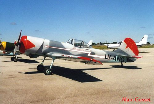 YAK-50-LY-ANG.jpg