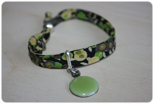 bracelet-liberty-vert-bords-arrondis.jpeg