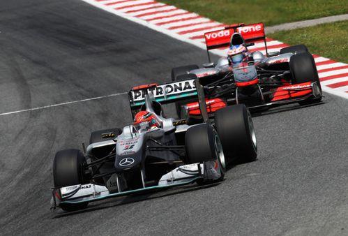 GP-barcelone-2010-bataille-Schumi-Button.jpg