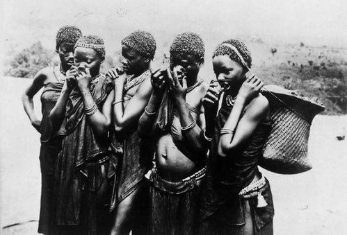 femmes-mongoumba-1924-aef