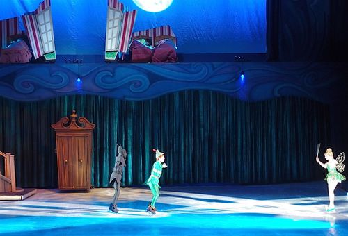 disney-sur-glace-peter-pan.JPG
