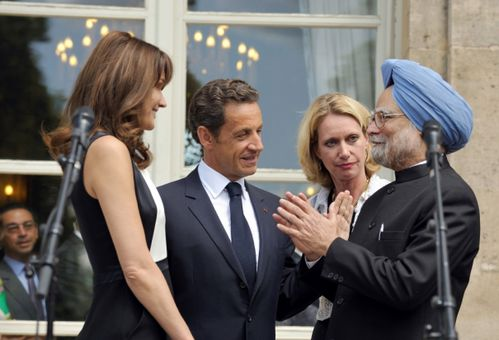 500882 france-s-president-sarkozy-and-his-wife-bruni-sarkoz