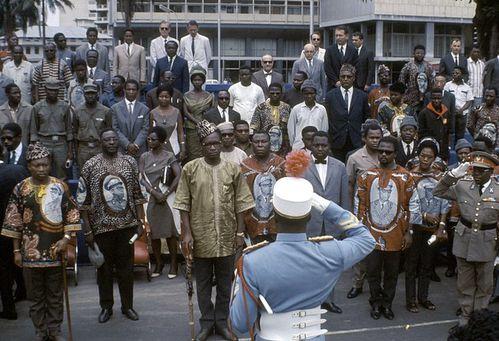 President Mobutu 67 lors de defile de CVR
