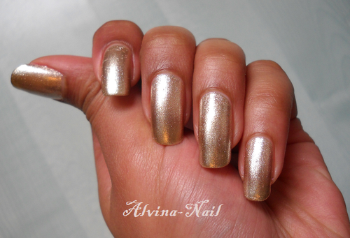 kind-of-gold-2--Alvina-Nail.png