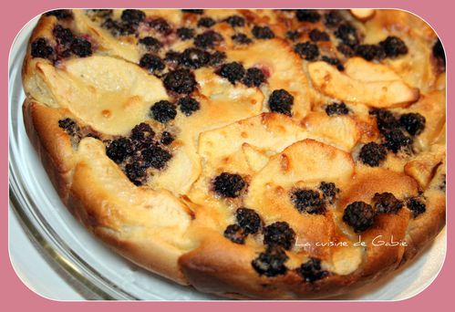 Clafoutis-pomme-mures.jpg