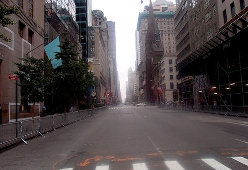 labor-day-new-york-5-avenue-vide.JPG