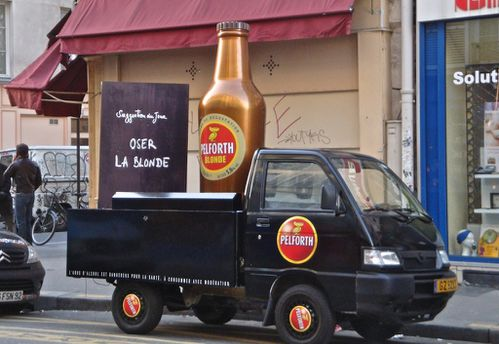 street-marketing publicité bière Pelforth 2948