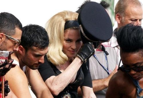 20120618-pictures-madonna-turn-up-the-radio-set-13
