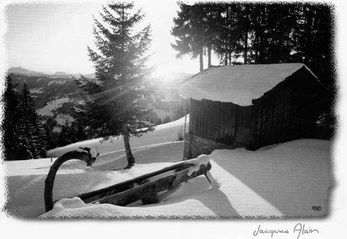 Fontaine sous la neige