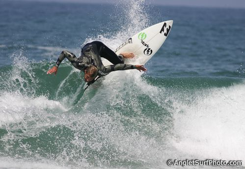 thomas-bady-alain-cassiede-surf-anglet-club-vague.jpg